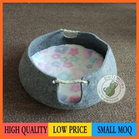 round pet bed for cat with felt fabric cat bed