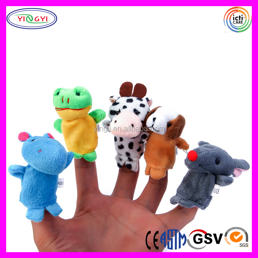 DE019 Peruvian Hand Knitted 14 Animal Felt Finger Puppets Sets With Family Member