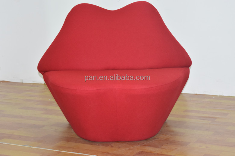 Kiss Chair
