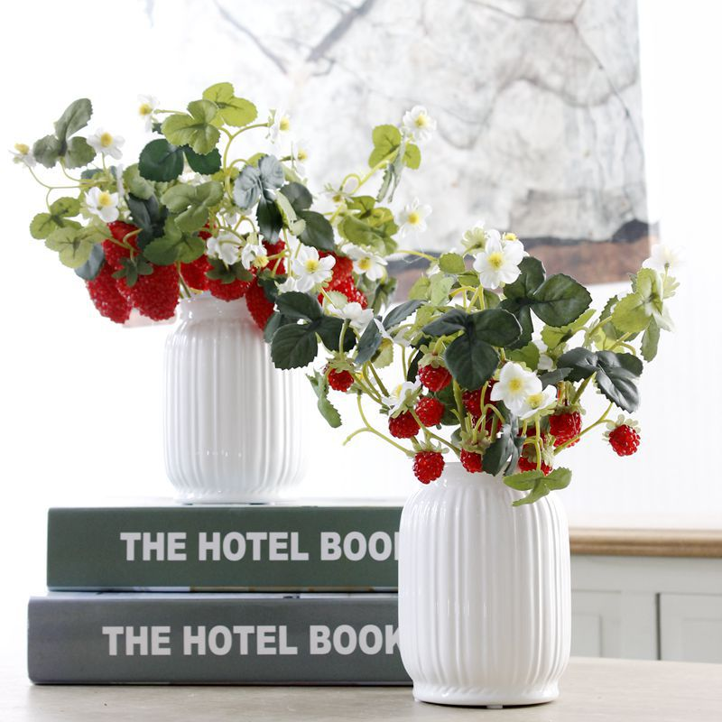 Artificial fruit decorative artificial strawberries mini plastic strawberries for flower arrangement strawberry fake fruit