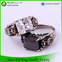 2015 new arrival american popular couple spikes stainless steel ring with crystal