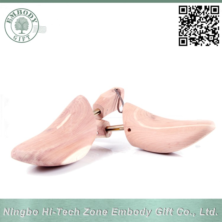 High quality natural wooden shoe tree cedar shoe keeper