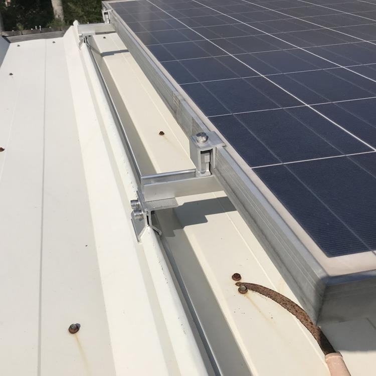 Aluminum mounting clamps for solar