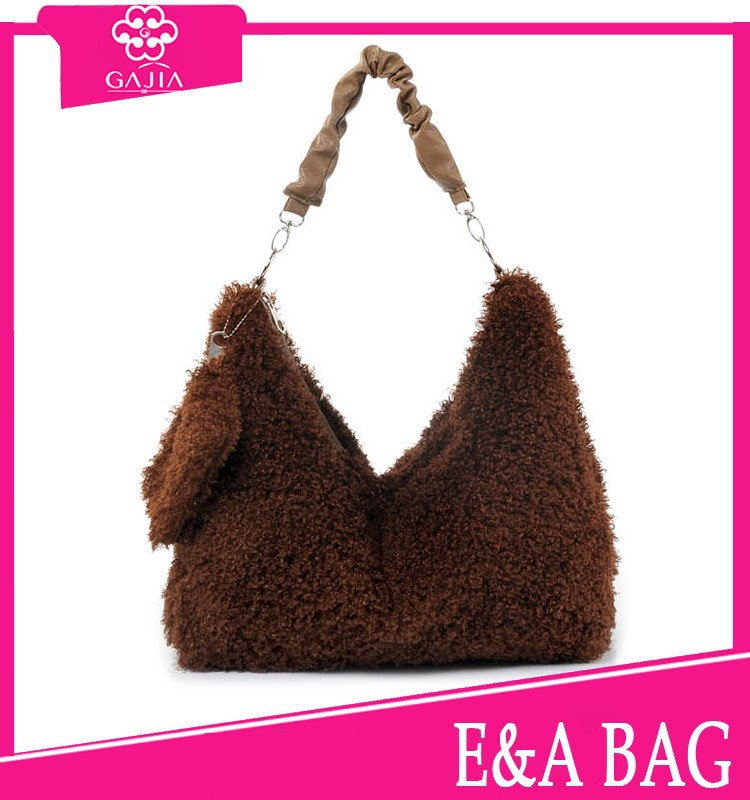 HOT!Autumn and winter fur design GOOD quality large capacity ladies handbags from China