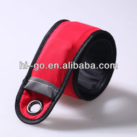 2013 most popular snap lock led flashing armband