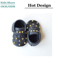 The cow litchi leather fancy baby girls shoes newborn moccs soft soled baby shoes