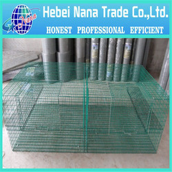 Welded wire mesh expandable dog fence