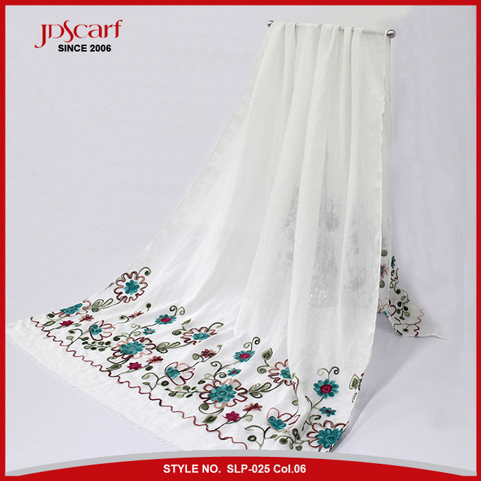 Wholesale Latest China manufacturer colorful embroidery fashionable lady muslim hijab high quality scarf