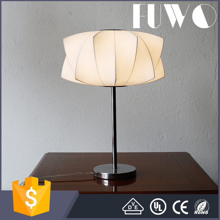 Antique Decoration Novelty polyresin table lamp for home and hotel