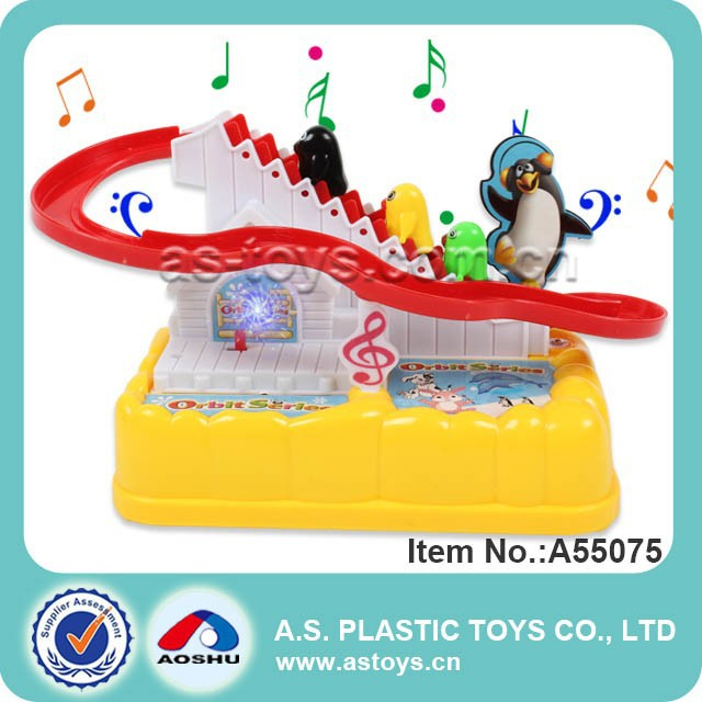 Battery operated orbit labber plastic penguin toy with Light & Music