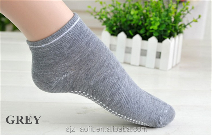 Toe Yoga Pilates Socks Non Slip Skid Barre Sock with Grips for Women & Men