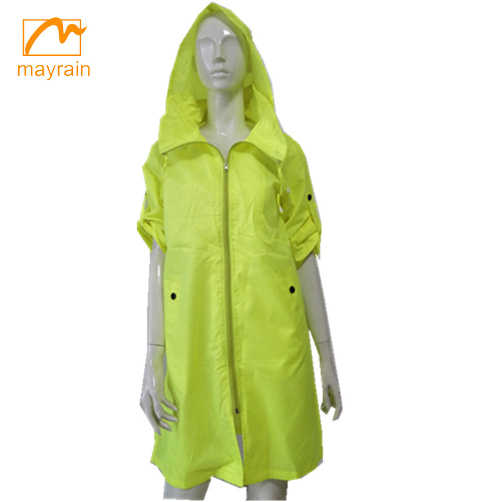2017 polyester ladies raincoat and wind coat