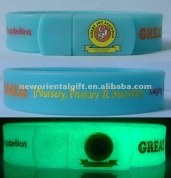 Glow in the dark USB Flash Drives Silicone wristbands