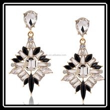 Fancy Cheap Crystal Black White Color Mixed Statement Pierced Earrings Imported From China