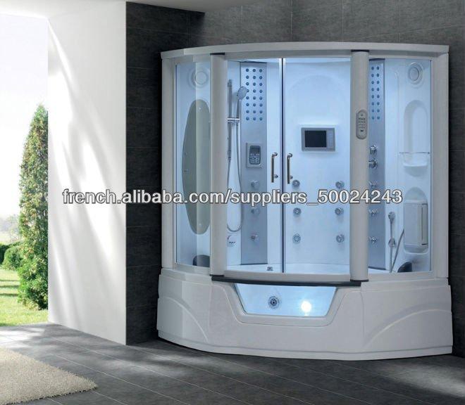 G152 vapeur et salle de douche avec baignoire jacuzzi tv for Salle de bain avec jacuzzi et douche