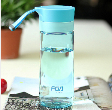 China sale Factory Direct Supplier 600ML Eco Friendly Plastic Water Bottle with Pill Box