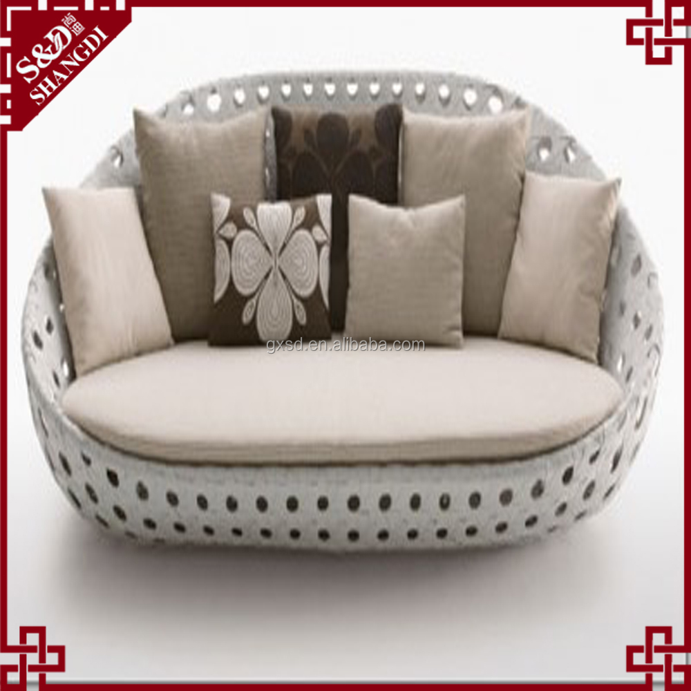 Outdoor loverseats rattan round sofa bed made in China