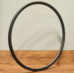 Carbonician light weight tubelsee hookless clincher ready 24mm wide mtb 29er carbon rims