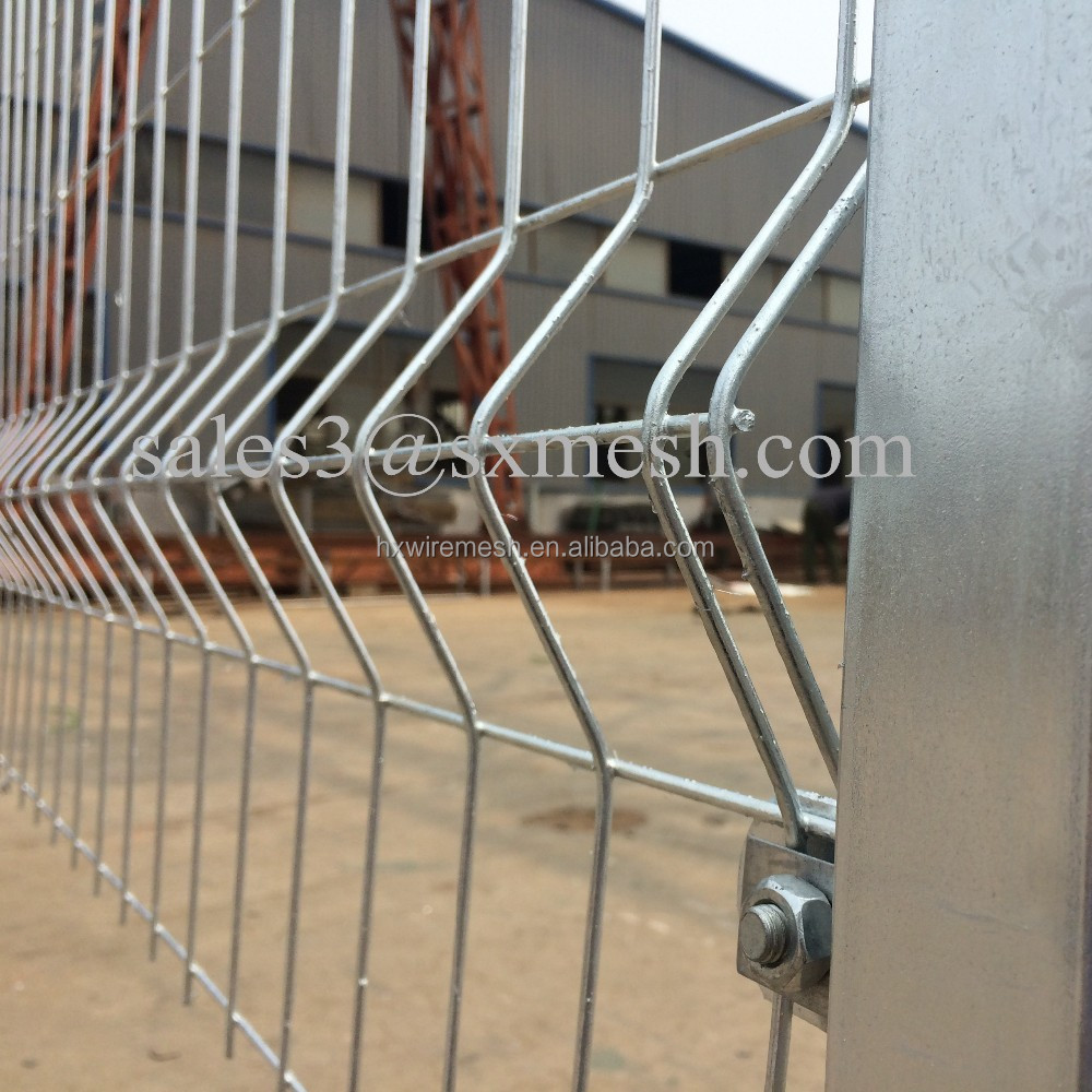 9 gauge wire woven welded wire mesh fence / hot dipped galvanized fencing mesh