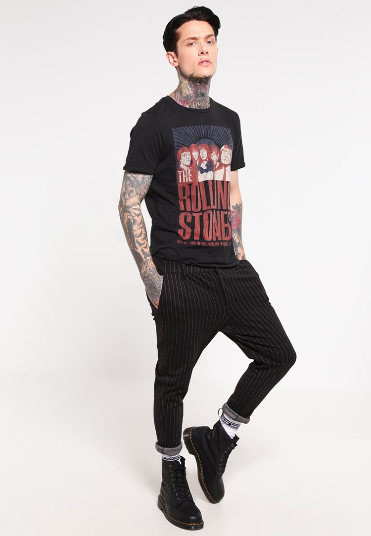 Wholesale Custom Fashion Men High Quality Black T-shirt with Printing and Label