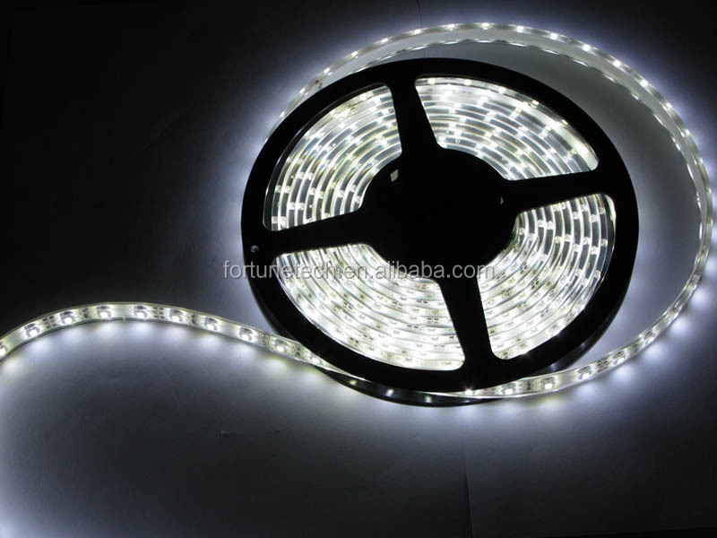 2015 Best selling IP68 SMD2835 flexible led strip