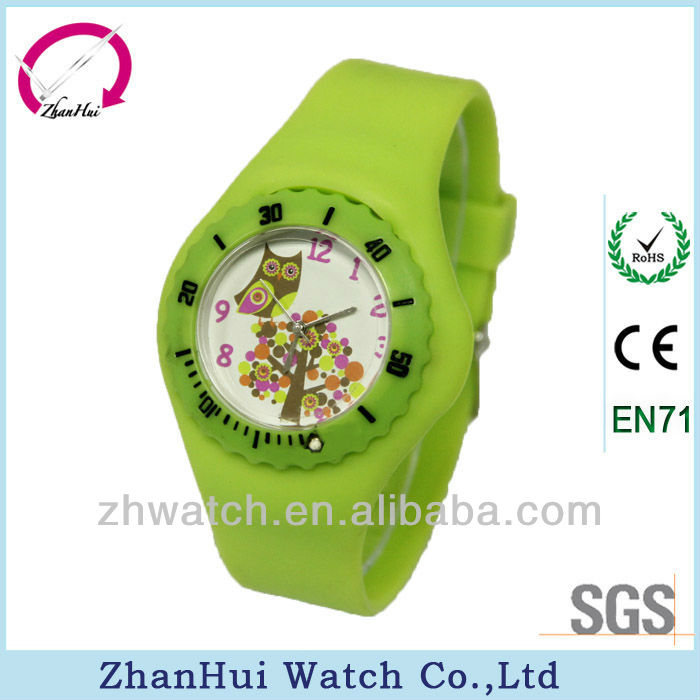 2013 New fashion quartz sport square color watches silicon