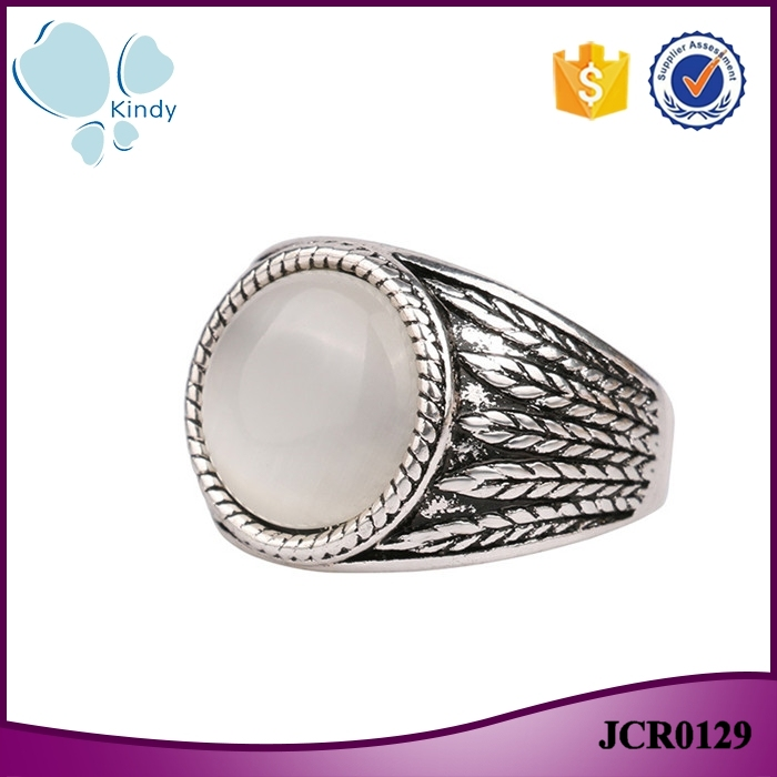 Alibaba cheap wholesale vintage zinc alloy white opal finger ring for women