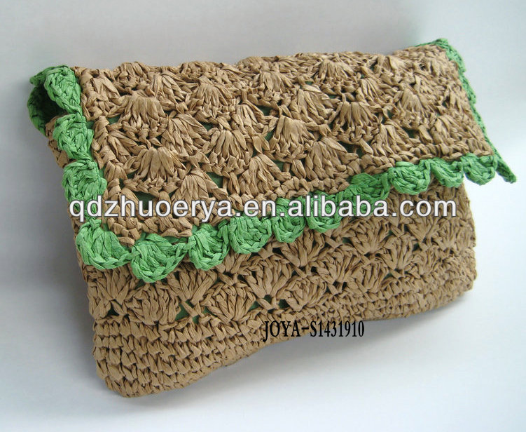 Ladies crochet make-up bag made of paper straw