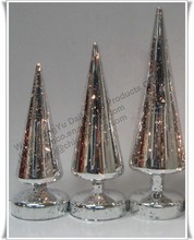 GLASS CHRISTMAS TREE SHAPED CANDLE HOLDERS / GLASS CANDLE HOLDERS