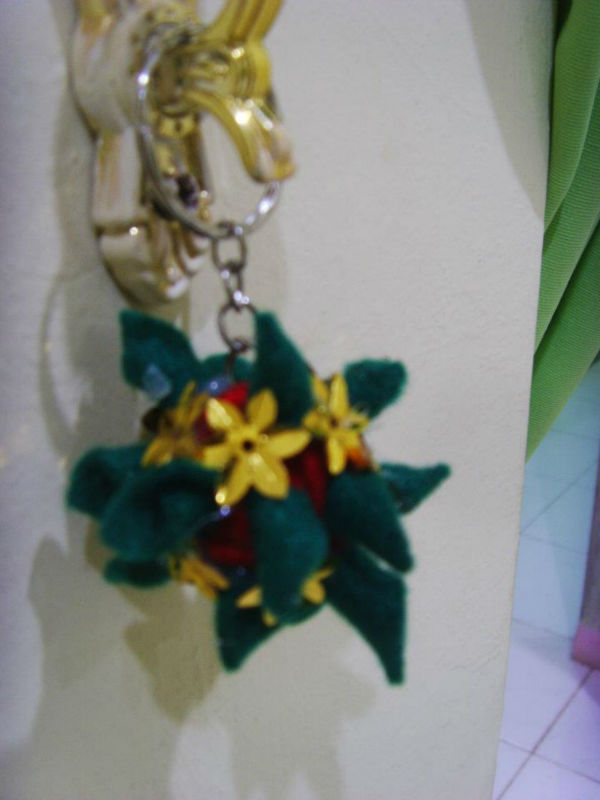 Cristmas gift gold in blue ornament flower