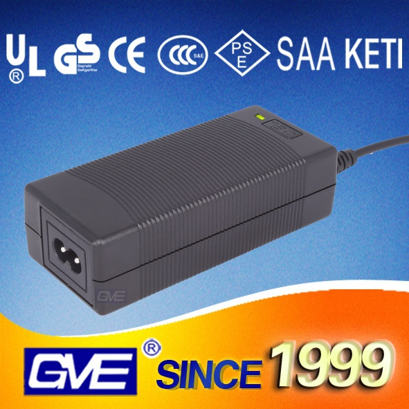 New design with high quality travel 16.8v 1.6a li-ion car battery charger