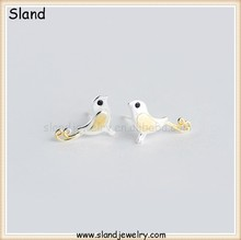 Small silver sterling silver jewelery made in China, latest earring design birds shape cute earrings