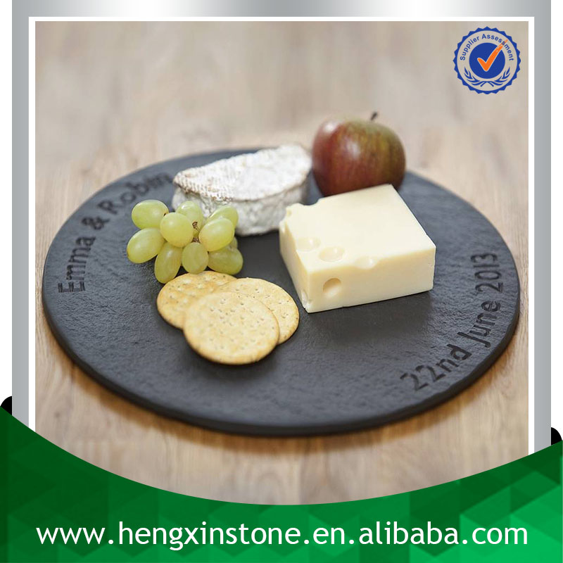China Factory Wholesale Cut Edge Dia30*0.5cm Personalised Engraved Decorative Round Black Slate Cheese Serving Board For Hotel