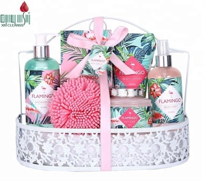 Wholesale high quality flamingo label body care spa wire basket bath and body gift set