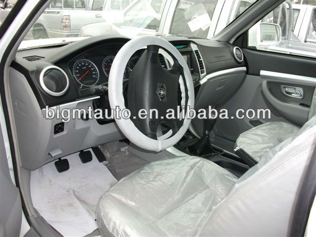 White Color Double Cabin Diesel Pickup Truck