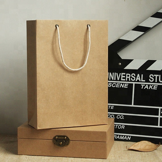 Wholesale Eco-friendly customized brown kraft Paper Bags with Handle