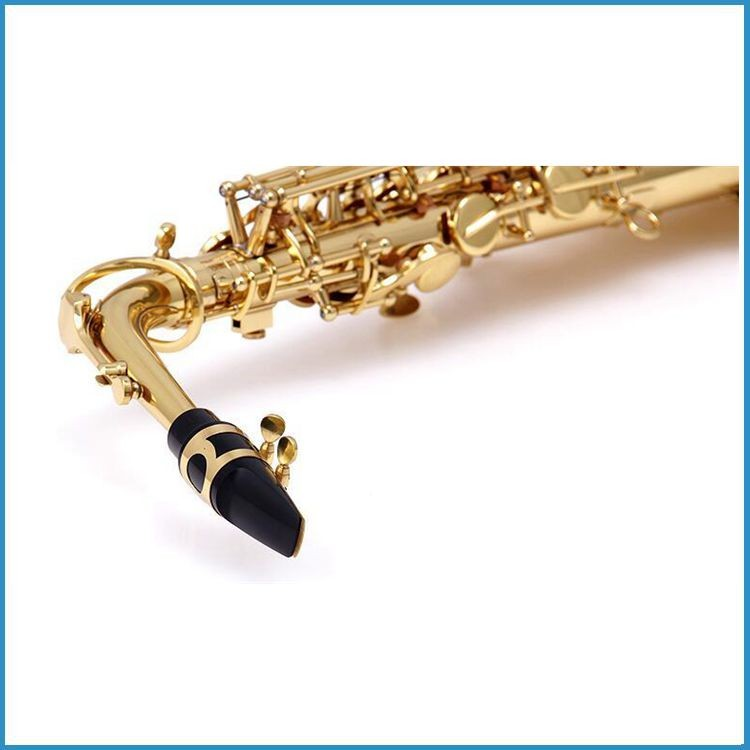 how to put a lyre on an alto saxophone