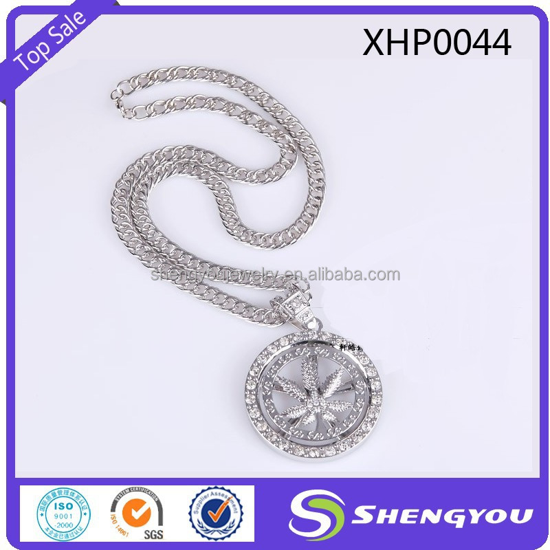 Popular Alloy Jewelry Rhinestone Paved Leaf Shaped Coin Pendant