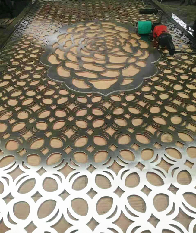 expanded metal /perforated metal sheet cladding for building sunshade screen