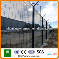 Powder Coated Promax 358 Security Mesh Fencing High Security Fencing