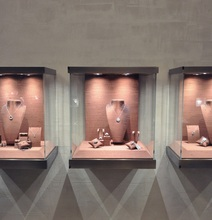 Wall mounted jewelry glass display cases for jewelry showroom