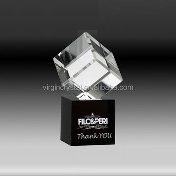 Unique design bevelled crystal cube award with black glass cube trophy base for company gifts