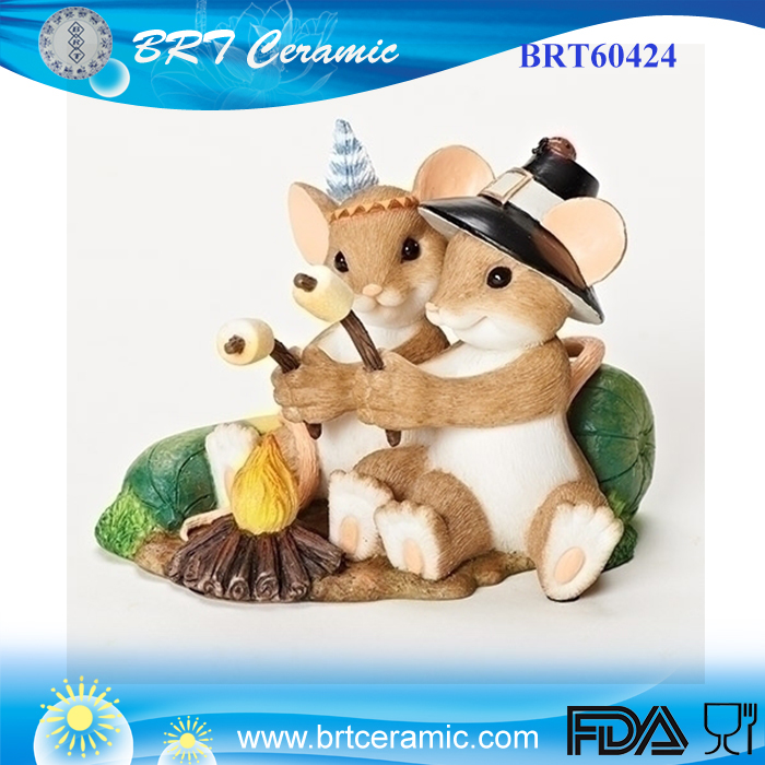 polyresin figurine cute couples mouse have a picnic