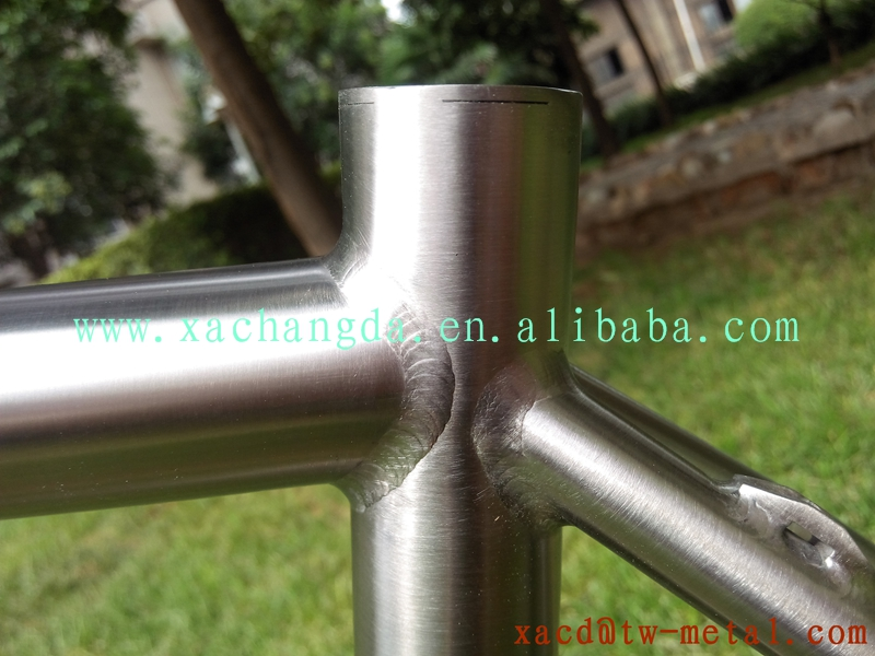 xacd made hot sale titanium road bike frame OEM road racing bicycle frame with handing brush finished weight 1.6kg made in China