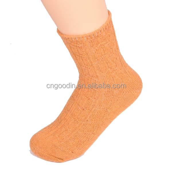 TEEN TUBE SOCKS BASKETBALL SOCKS
