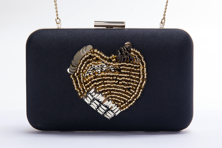 New hot Fashion heart shape sequin and beaded decoration black clutches bag for woman