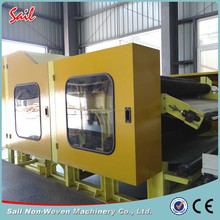 Single cylinder double doffer carding machine used for making nonwoven fabric
