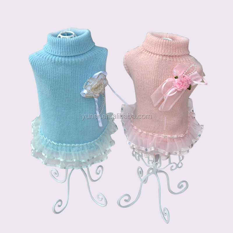 2016 Wholesale fashion hand knitted dog clothes pet sweater