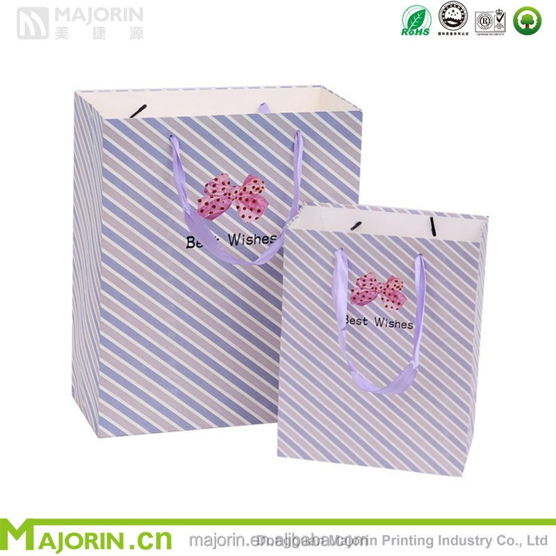 Wholesale innovative plaid paper gift packaging bag