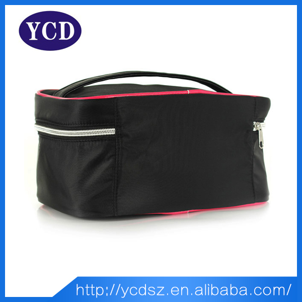Alibaba cheap wholesale polyester black artist makeup train cases wholesale